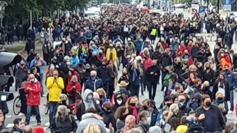 10 10 2020 Берлин Марш похороны конституции Германии