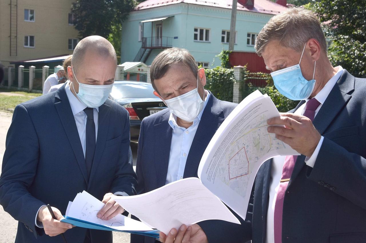 Глава региона Александр Евстифеев осмотрел земельные участки под застройку жилых домов