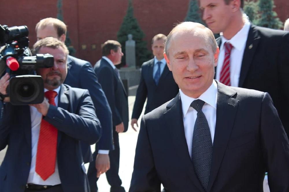 Путину – нобелевку, России - санкции