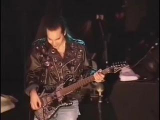 Joe Satriani  Brian May- Big Bad Moon