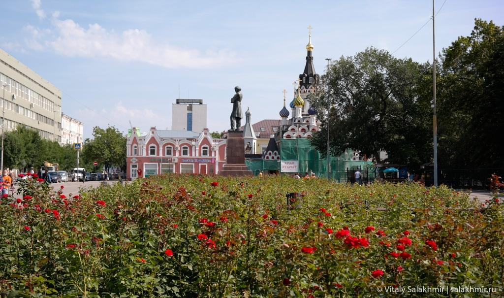 Площадь Чернышевского в Саратове 2020