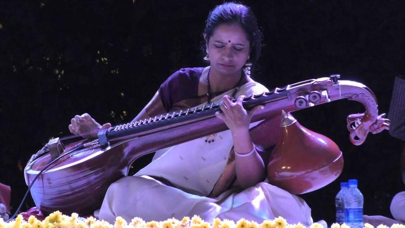 Dr Jayanthi Kumaresh Saraswati Veena Varamu Lathangi Tanam