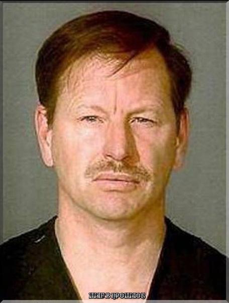 Гэри Леон Ридгвэй (род. 1949). Этот маньяк по прозвищу «Речной человек» утверждает, что за 16 лет в штате Вашингтон смог убить более 90 женщин. В итоге суд смог доказать 48 убийств, в их