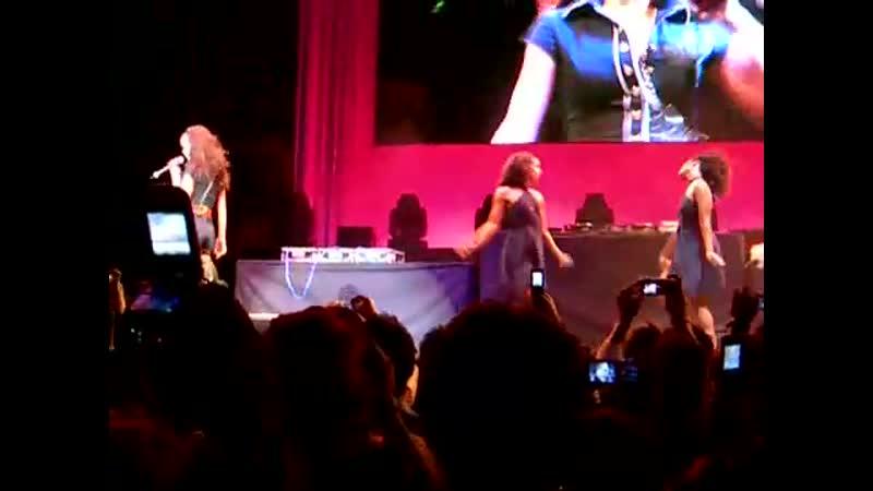 Rihanna Pon De Replay Rod Laver Arena Melbourne 28 10 2006