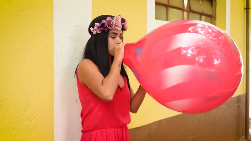 Blow to Pop Big Qualatex 16 Balloon 720P HD .mp4
