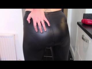 Evamarie88 smearing leather shit