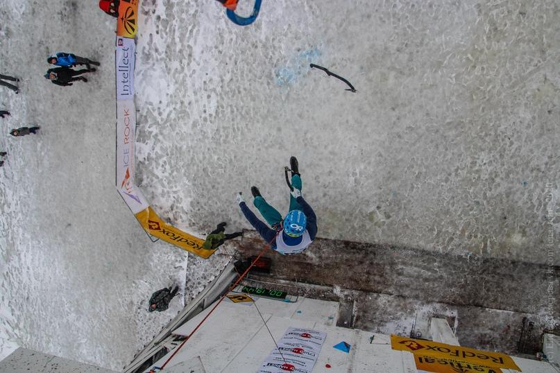 Главные отечественные ледолазные старты сезона финишировали в городе Кирове в минувшие выходные – чемпионат и первенство России по альпинизму. Всем было что доказывать и что терять…, изображение №49
