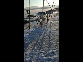 30 авто провалились под лед во владивостоке