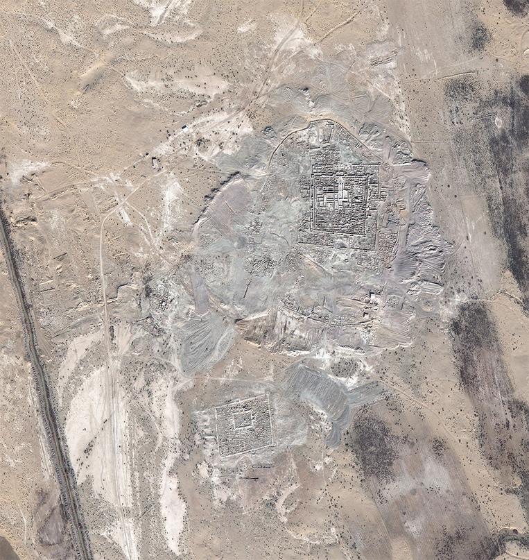 Гонур-депе из Космоса (http://margiana.su/index.php/margiana-monuments/9-istoriya-arkheologicheskogo-izucheniya-margiany.html?showall=&start=1)