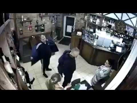Ветеран АТО разбушевался в пивном баре на улице Пушкина в Полтаве