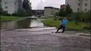 По Гатчинском улицам устроили заплыв на вейкборде