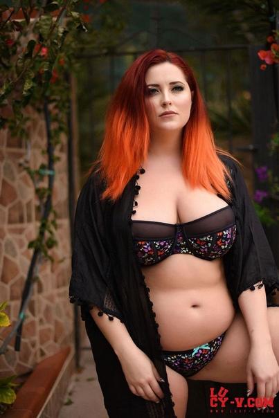 Chubby girl redhead