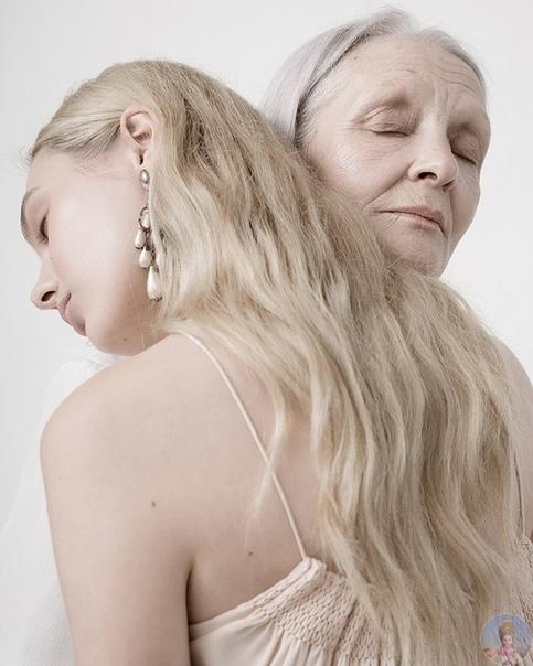 Очаровательные бабушка и внучка в фотопроекте Ники Баевой, подчеркивающем красоту разных поколений