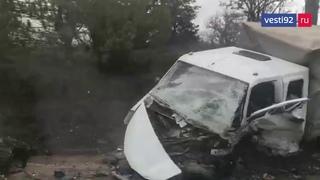 В лобовом ДТП на трассе под Севастополем погиб водитель ГАЗели