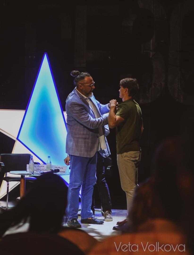Юрий Грымов принимает в труппу театра Александра Шама — исполнителя роли Курагина в спектакле «Война и Мир»