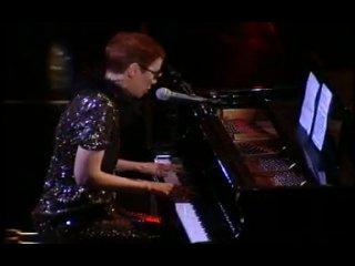 Annie Lennox - Why (live)