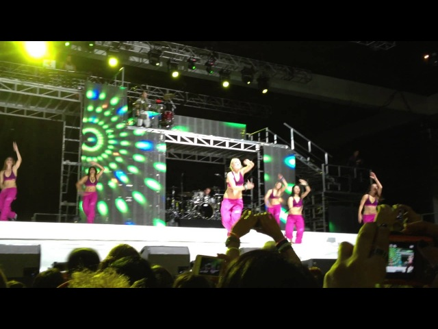 Zumba Fitness concert 2013 AYER LA VI