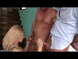 Блондинка напилась на вписке и её пустили по кругу как шлюху [Порно и Секс 18+]