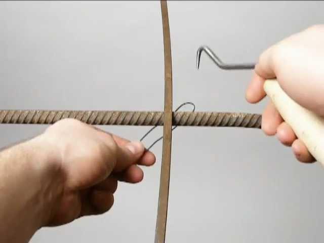Tying reinforcing steel bars rebar Wiązanie drutu zbrojeniowego