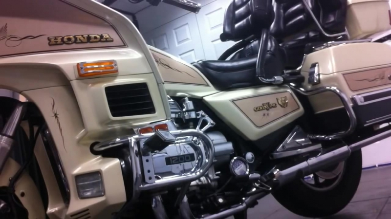 Honda goldwing 1200gl aspencade SEi ltd look around mike lavaliere painted and signed 1986