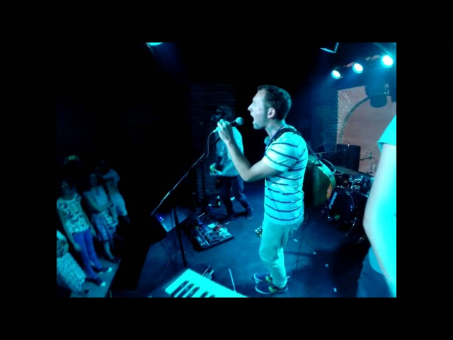 The BearFox Terrible Soleil Bright Days Intro Live in Divan