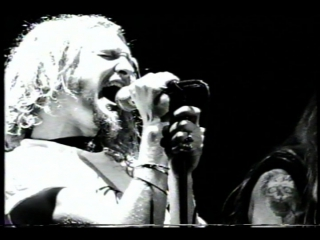 Alice In Chains -  - Love, Hate, Love (Live at Moore Theatre, Seattle)