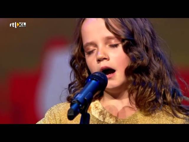 Amira 9 verbijstert iedereen met opera HOLLAND'S GOT TALENT