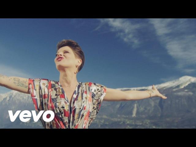 Alessandra Amoroso Comunque andare Videoclip