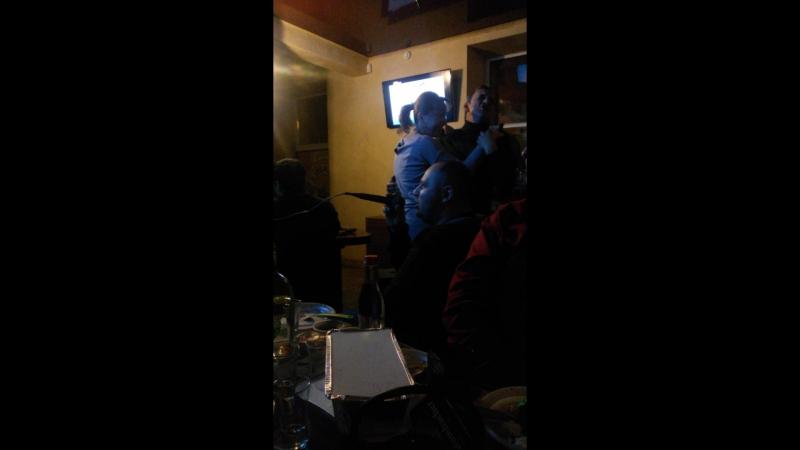 в Доме благородных напитков исполняет хозяин Дмитрий Бузило