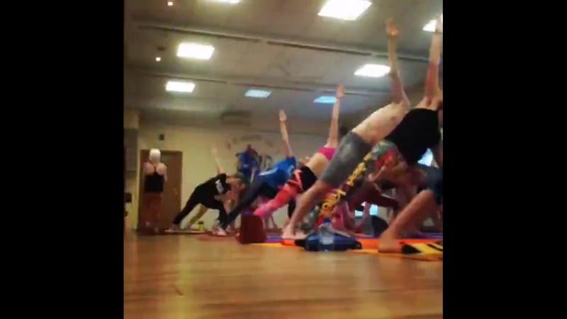 Бикрам йога за 15 секунд в студии Йоги 42 в Архангельске