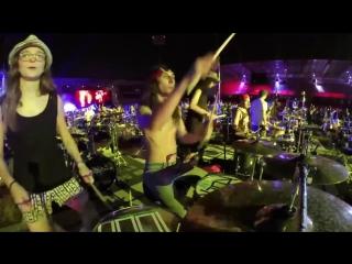 1 000 музыкантов сыграли легендарную песню Seven Nation Army 720p