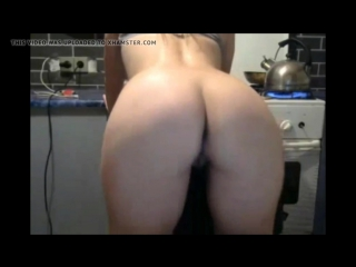 Curvy_milf_caught_flashing_it_all_while_cooking_amazing_ass_720p