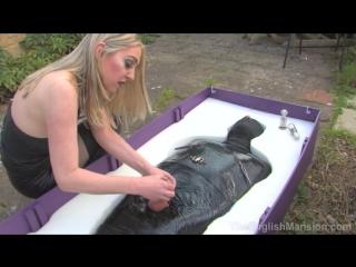 Mistress Sidonia - Packing Case