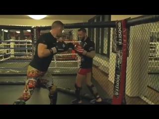 Экс-чемпион М-1 Штефан Пютц отрабатывает ударку