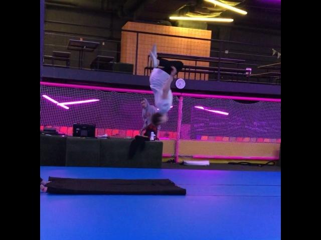 Алексей Крук on Instagram Переходим на твёрдый батут 💥🙌🏻 AlexeyKruk levelstore pkfr jump freerunning gym motivation gymnastics amazing