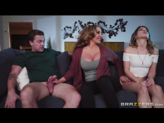 Kristen Scott, Richelle Ryan (Mind If Stepmom Joins You) sex porno
