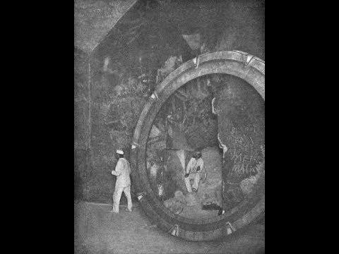 Звёздные врата в 1920 х годах был открыт портал под землей