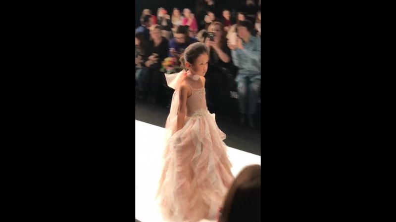 Mercedes Benz Fashion Week 2018 Kristina Kibovskaya смотреть онлайн без регистрации