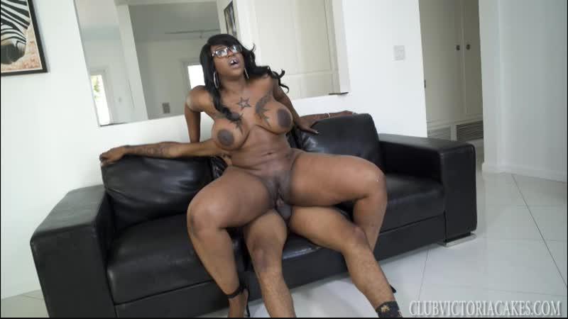 A slice of cake in miami with victoria cakes, isiah maxwell ebony, public sex, big tits