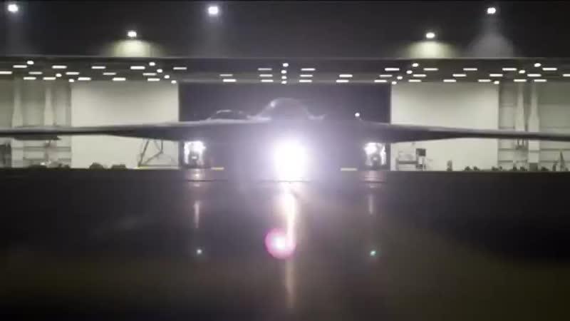 Перед вами не кадры фантастического фильма, а бомбардировщик B-2 Spirit. Невидим для ПВО, способен нести 80 высокоточных управля