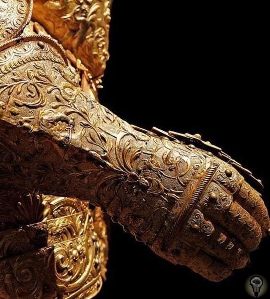 Золотая рукавица, часть доспехов Генриха II. Франция, 1550 год