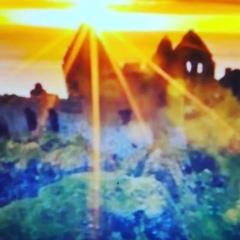 """Tina Shmidt⭐️ on Instagram: """"Sun always ownes.Ра.Ярило.#минусовки#поемлегко#ктоглавныйвовселенной? Читали произведение Герберт Уэльса Когда спящий…"""""""