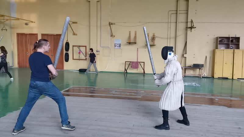 Отработка блоков полуторный меч