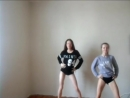 Малолетки танцуют тверк