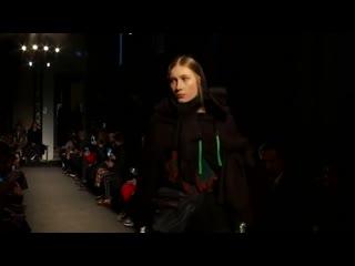 Valeria V. - Alexandra Moura - Runway Show FW 19/20 - Milano - 1