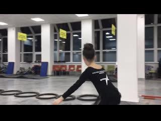 Тренирои на роликах в extreme kids