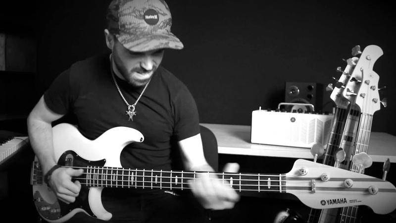 SILENT NIGHT Slap Bass Solo Arrangement by Miki Santamaria Santa Nit Christmas song Villancico