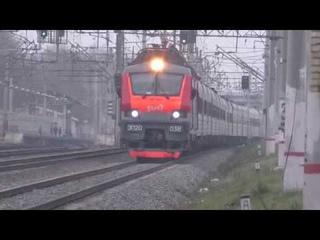 Электровоз ЭП20-038 с фирменным поездом Кубань №29 Москва - Новороссийск