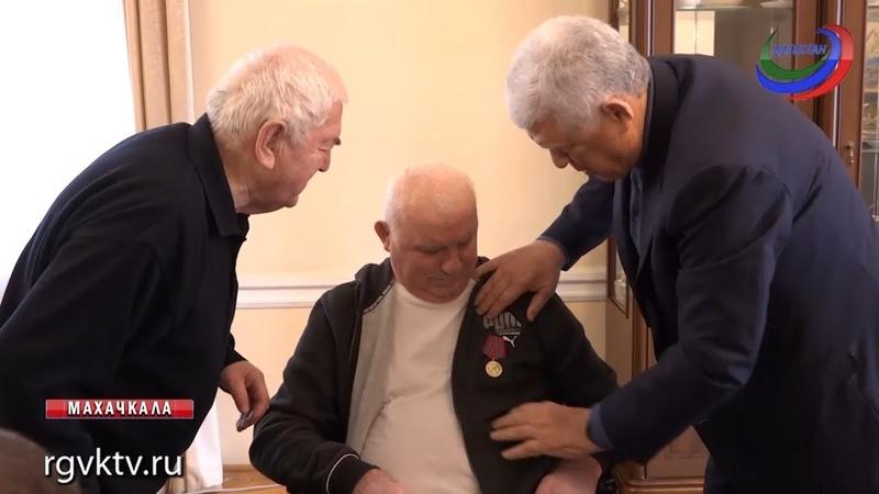 Депутат Народного Собрания республики Гази Газиев получил юбилейную медаль