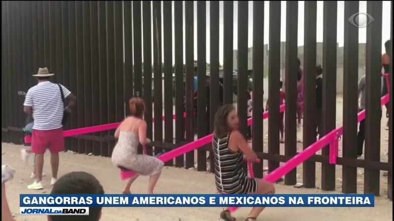 Gangorras unem americanos e mexicanos na fronteira